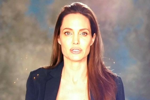 La prima apparizione pubblica di Angelina Jolie dopo il divorzio da Brad Pitt