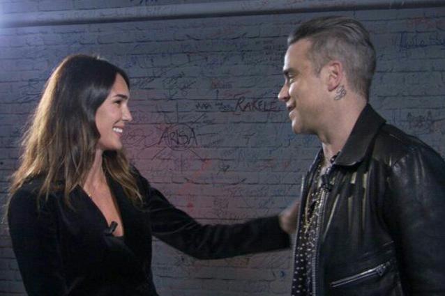 """Robbie Williams: """"Sul palco sono un supereroe, a casa un timido un po' depresso"""""""