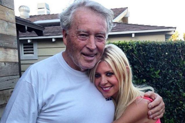 """Lutto per Tara Reid, è morto il padre dell'attrice di American Pie: """"Era il mio eroe"""""""
