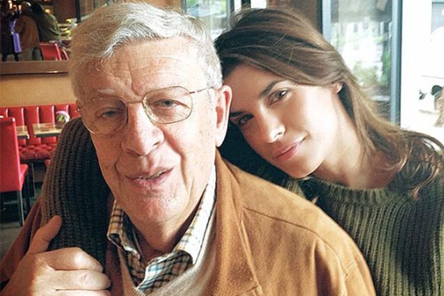 Lutto per Elisabetta Canalis, morto il padre Cesare mentre era con lei a Los Angeles