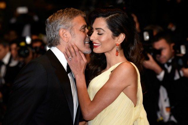 """""""George Clooney e Amal Alamuddin aspettano due gemelli"""": la tv Usa conferma la notizia"""