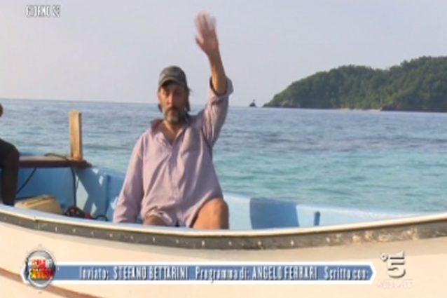 """Foto e video del ritiro di Ceccherini dall'Isola: """"Continuate a parlarvi dietro e state attenti a Raz Degan"""""""