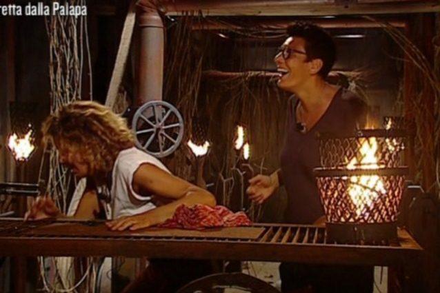 Imma Battaglia fa una sorpresa a Eva Grimaldi e va all'Isola, Raz dovrà occuparsi di lei