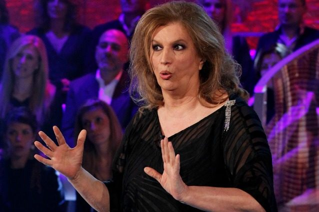 """Iva Zanicchi: """"Io rapinata in casa 7 volte, non dormo più. Ma non sparerei mai a un ladro"""""""