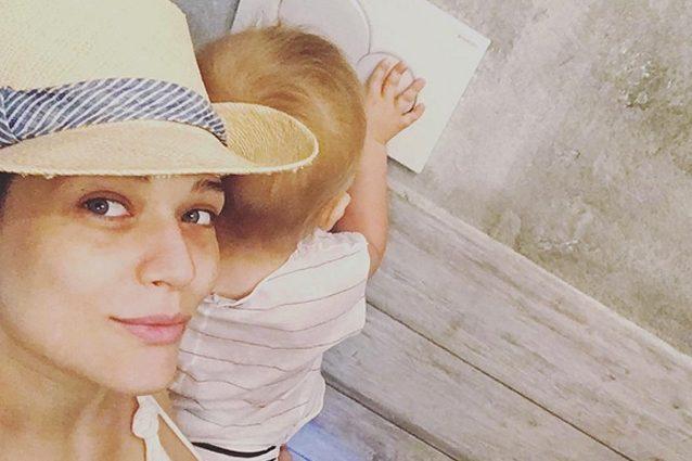 """Laura Chiatti è una mamma prima che una diva: """"Non riesco a staccarmi dai miei figli"""""""