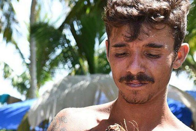 """Isola 2017, Moreno chiede ai naufraghi di parlare bene di lui: """"Aiutatemi a non uscire"""""""