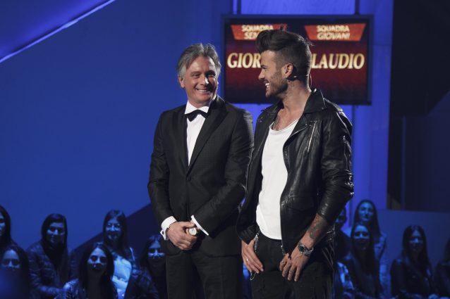 Il fascino non ha età: Giorgio batte Claudio nella sfilata di moda