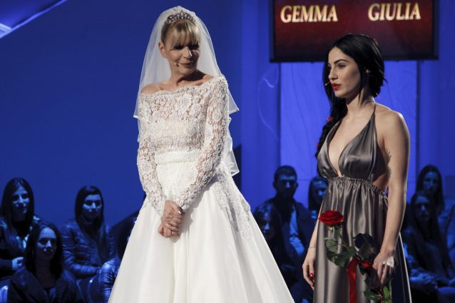 "Giulia De Lellis: ""Vado fiera delle mie tette finte"""