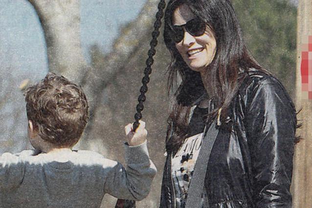 """Manuela Arcuri 40enne felice con il piccolo Mattia: """"È la mia ragione di vita"""""""