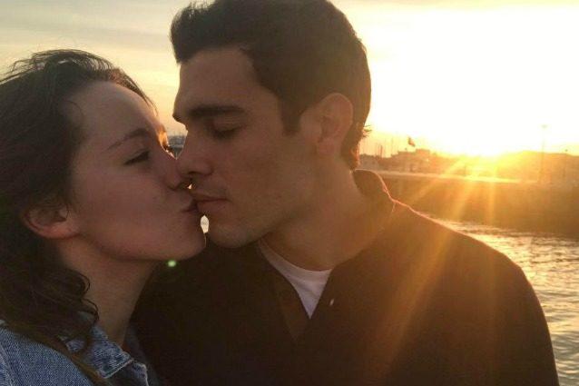 """Aurora Ramazzotti e il primo bacio social con Goffredo Cerza: """"Foto romantica da diabete"""""""