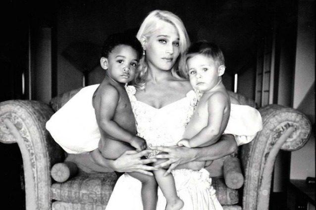 """Heather Parisi pro adozioni gay: """"Genitori di sesso diverso non fanno la famiglia perfetta"""""""