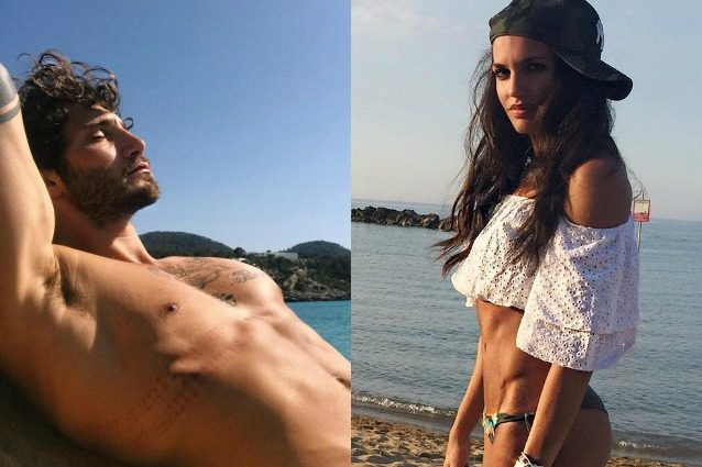 Elena D'Amario in aeroporto per volare a Ibiza, sull'isola c'è già Stefano De Martino