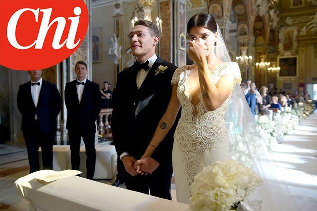 """Su """"Chi"""" le foto delle nozze tra Andrea Belotti e Giorgia Duro."""