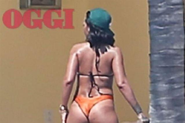 Body Shaming? Rihanna risponde con un meme