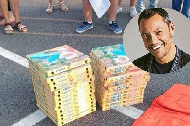 Tiziano Ferro offre 30 pizze ai suoi fan prima del concerto