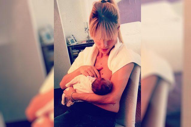 Michelle Hunziker, le neo mamme bellissime anche con la ciccetta