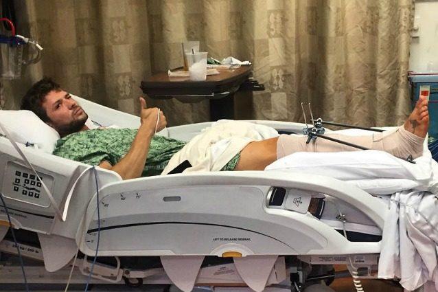 """Ryan Phillippe in ospedale: """"Mi sono ferito gravemente a una gamba"""""""