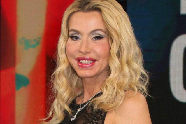 """Valeria Marini: """"Diventare mamma è il mio sogno più grande, se avessi un figlio cambierei vita"""""""