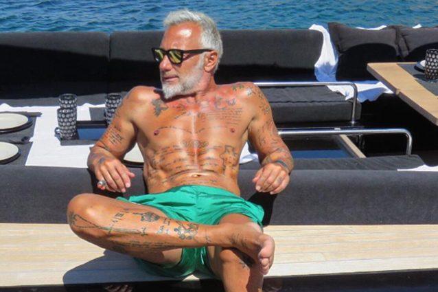 """""""La gente mormora"""", Vacchi cita Jovanotti per commentare il presunto crac finanziario"""