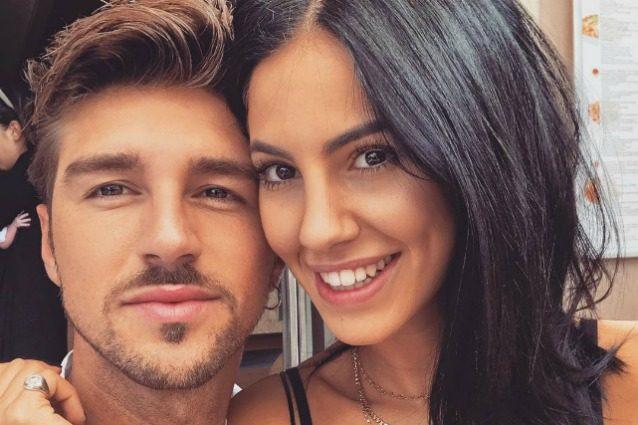 Belen Rodriguez supporta i fratelli al GF: