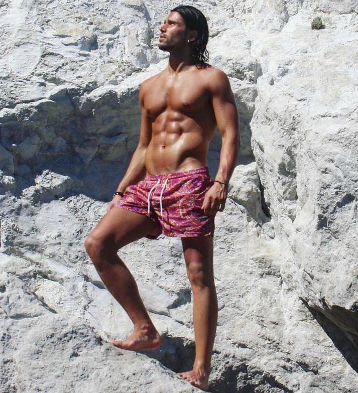 Luca Onestini in uno scatto pubblicato sui social