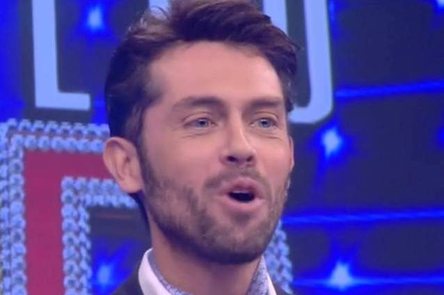 Raffaello Tonon di nuovo in tv con una nuova versione di se stesso, il pubblico si interroga
