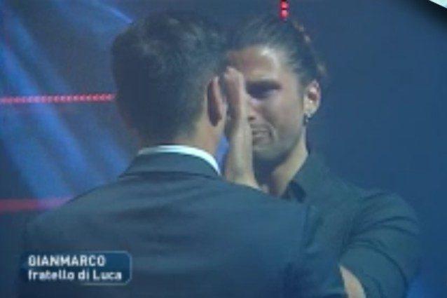 """Luca Onestini viene a sapere di Soleil e Marco e scoppia a piangere: """"Non è nemmeno venuta, vigliacca"""""""