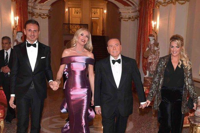 Federica Panicucci compie 50 anni, la grande festa nella villa di Silvio Berlusconi