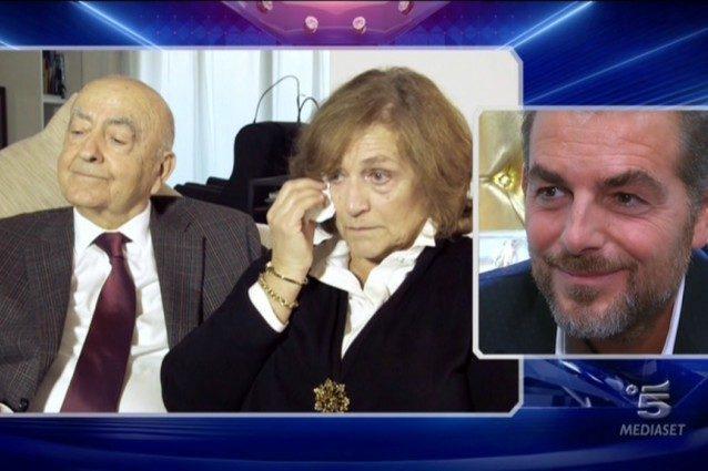 """Daniele Bossari commosso si rivolge ai genitori: """"Grazie per l'educazione che mi avete trasmesso"""""""
