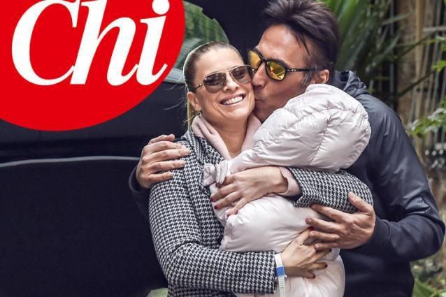 Laura Freddi raggiante dopo il parto: prima foto con la figlia Ginevra