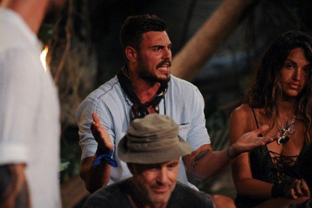 Isola, Francesco Monte rifiuta l'invito in studio e spiega le motivazioni