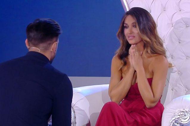Uomini e Donne: Rosa Perrotta mostra il suo anello di fidanzamento