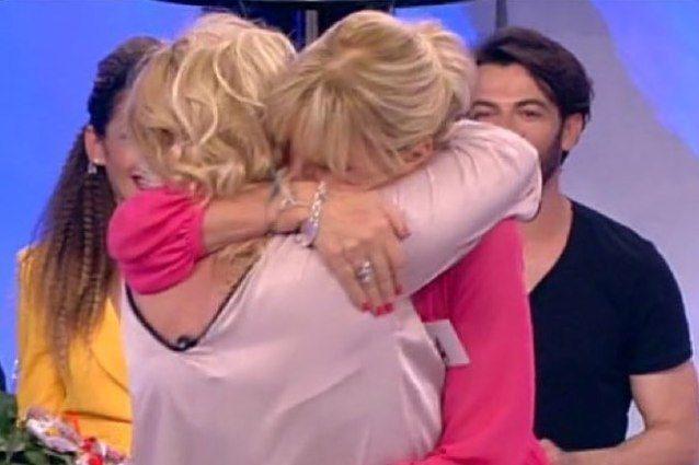 1259d857a666 Il finale di stagione di Uomini e Donne regala agli spettatori un  inaspettato colpo di scena: la pace tra Gemma Galgani e Tina Cipollari.