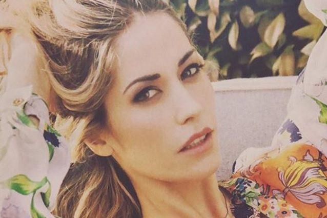 Elena Santarelli risponde a chi la critica per aver reso