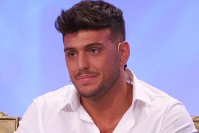Uomini e Donne: Karina attacca Sara Affi Fella per il nuovo fidanzato