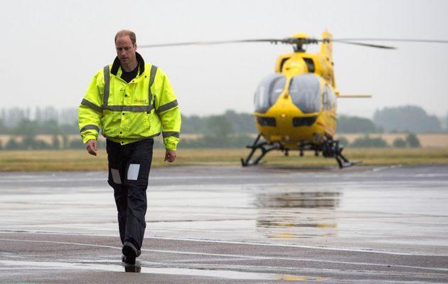 Il Principe William vuole guidare l'elisoccorso per aiutare