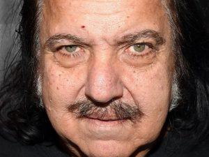 Ron Jeremy delle dimensioni del suo pene