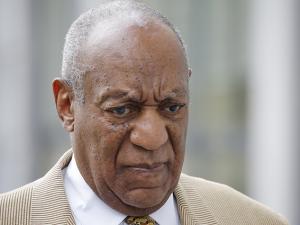 """Andrea trascina in tribunale Bill Cosby: """"Mi costrinse a toccare il suo pene"""""""