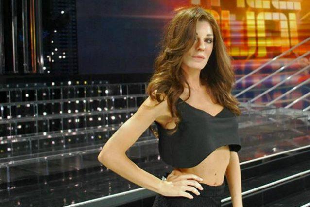 """Bianca Atzei è Anna Tatangelo, che commenta su Twitter: """"Un bacio amica mia"""""""