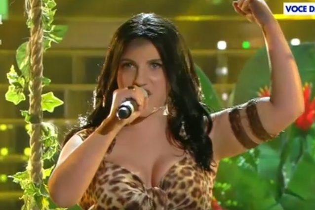 "Deborah Iurato imita Katy Perry: ""Sono emozionata da Luca Argentero"""