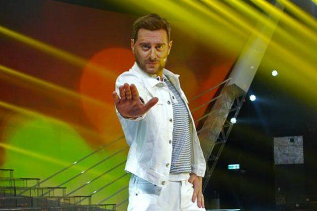 Enrico Papi fa Justin Timberlake, è l'erede di Cirilli
