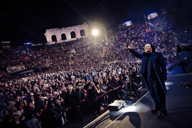 La capacità di Renato Zero di trascendere le generazioni, lo si ama a 20 anni come a 60