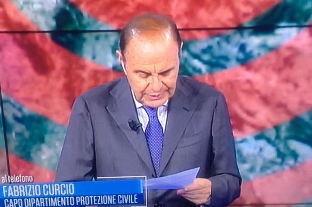 Terremoto Centro Italia, cambiano i palinsesti Rai e Mediaset per aggiornamenti in diretta