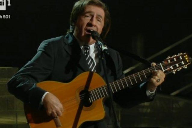 Tullio Solenghi è Giorgio Gaber, Goggi e Amendola si commuovono