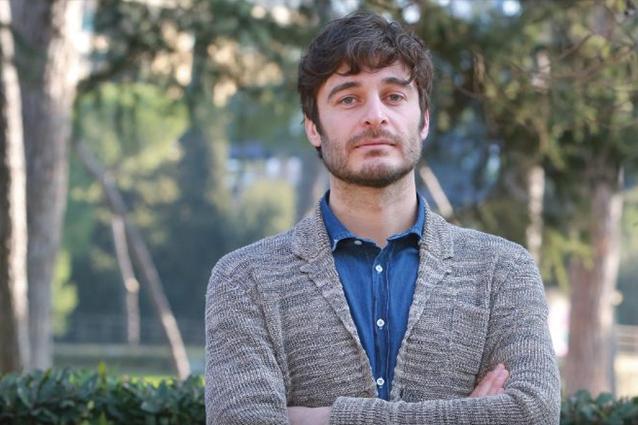 """Chi è Lino Guanciale, il Commissario Cagliostro de """"La porta rossa"""""""
