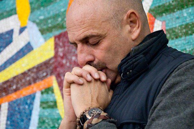 """Paolo Brosio e la gaffe con il Papa: """"Mi ha chiamato e ho messo giù, credevo fossero di nuovo Le Iene"""""""