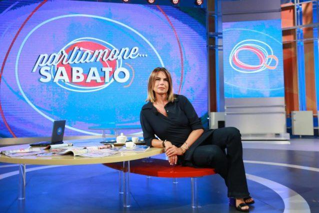 """Paola Perego in lacrime: """"Sto male, mi hanno messa in mezzo ma non sono sessista"""""""