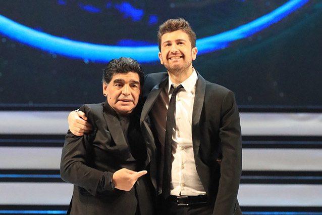 """""""Tre volte 10"""", lo spettacolo con Alessandro Siani e Diego Maradona arriva in tv"""