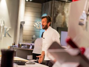 Lo chef Carlo Cracco, protagonista della terza stagione di Hell's Kitchen