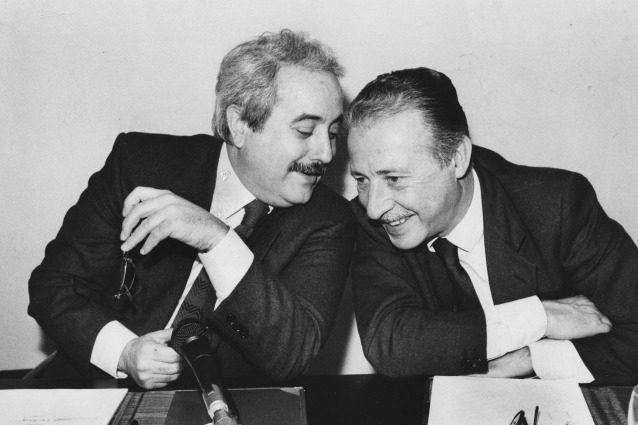 'Falcone e Borsellino': Fazio, Pif e Saviano ricordano il sacrificio dei magistrati e degli agenti della scorta